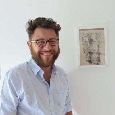 Lo scrittore bolognese Roberto Parmeggiani